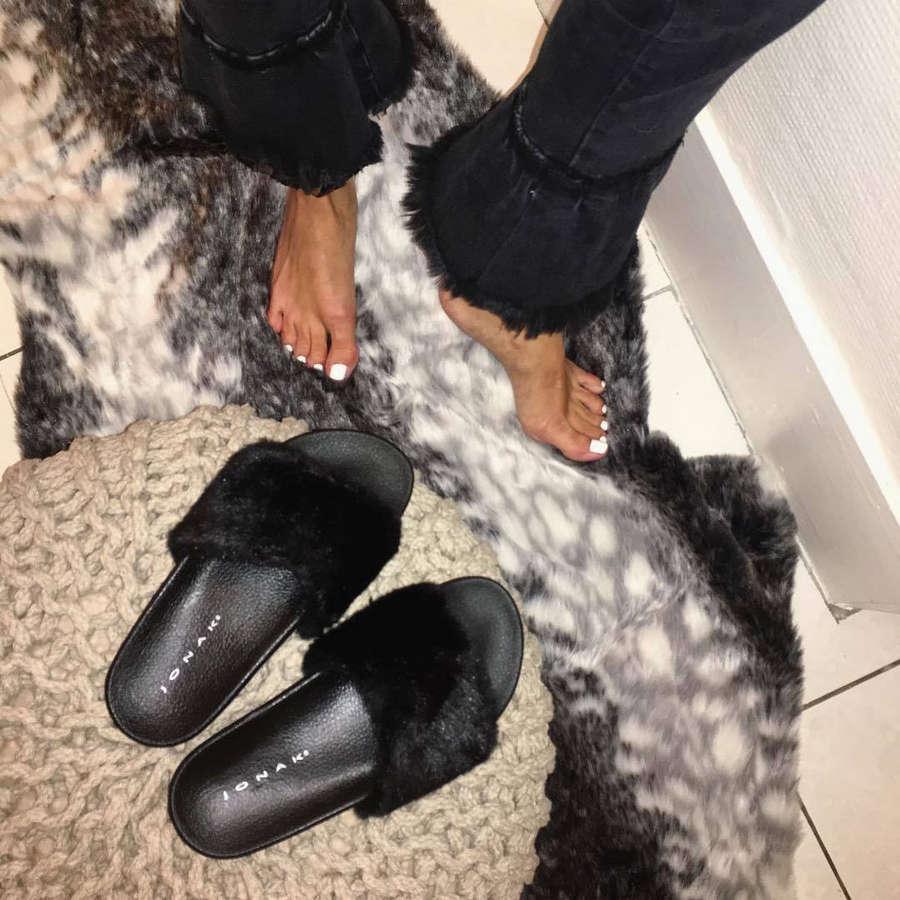Manon Lemaure Feet