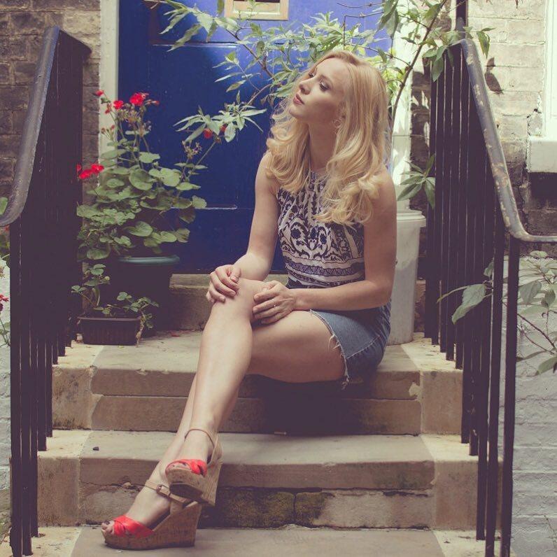Lucy Bella Earl Feet