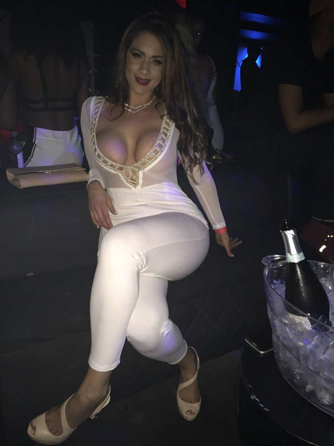 Miss Raquel Feet