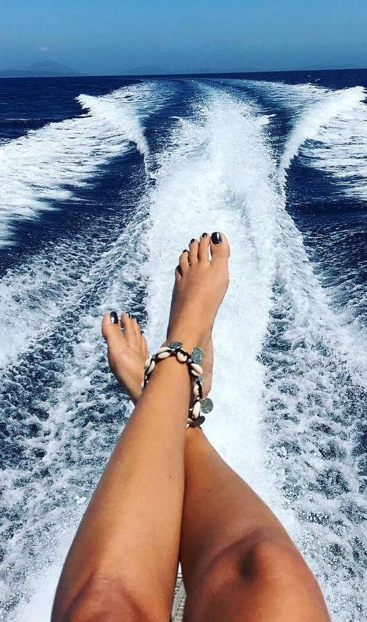 Artemis Zafeiromitsou Feet