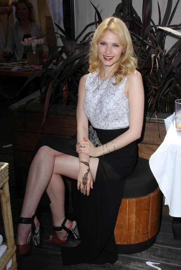 Claudia Lee Feet