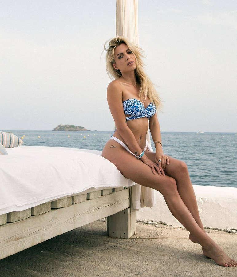 Ludovica Pagani Feet