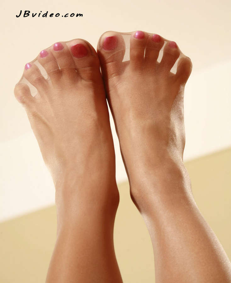 Sandra Romain Feet