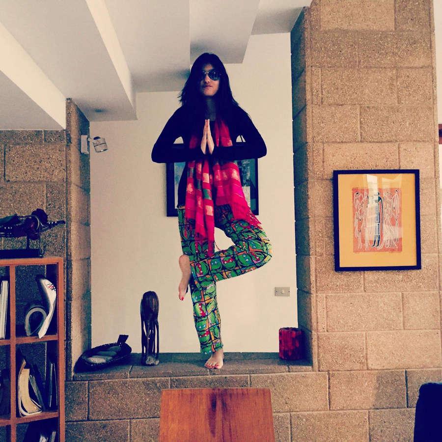 Hina Altaf Feet