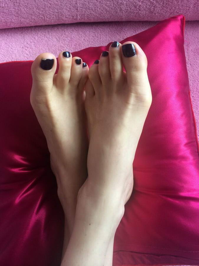 Kate Russell Feet