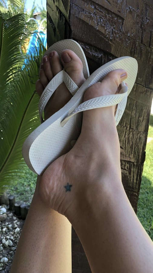 Franciely Freduzeski Feet