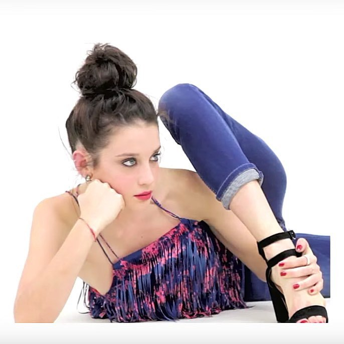 Maria Pedraza Feet