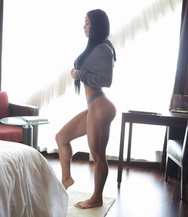 Michelle Lewin Feet