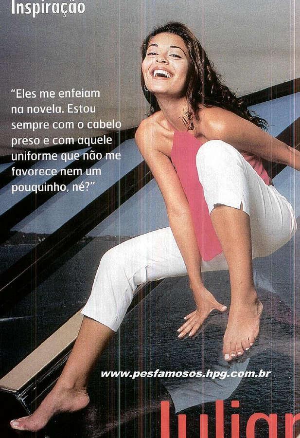 Juliana Paes Feet