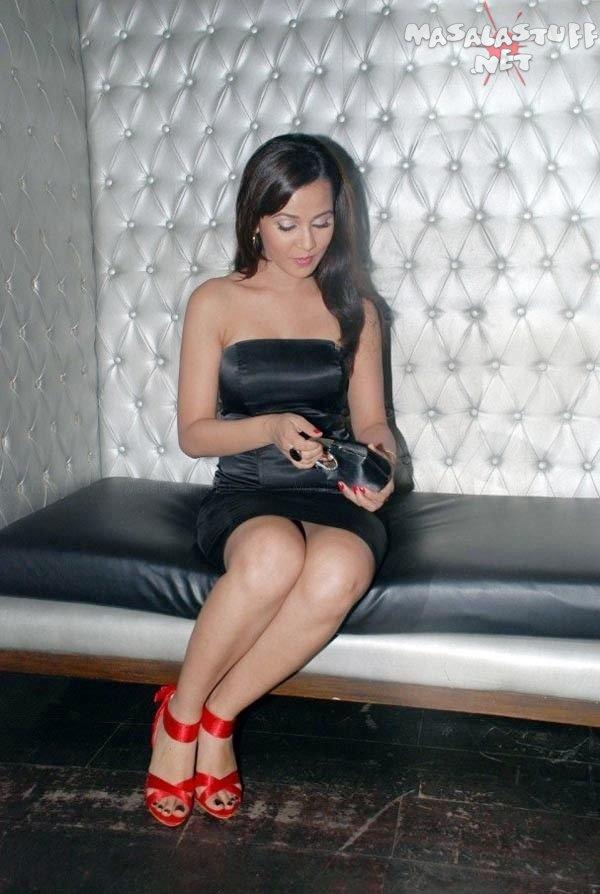 Nisha Kothari Feet