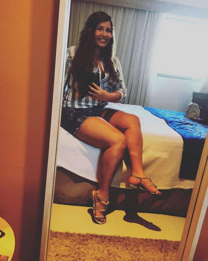 Marilia Mendonca Feet