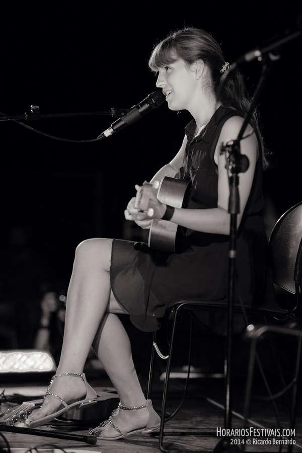 Luisa Sobral Feet