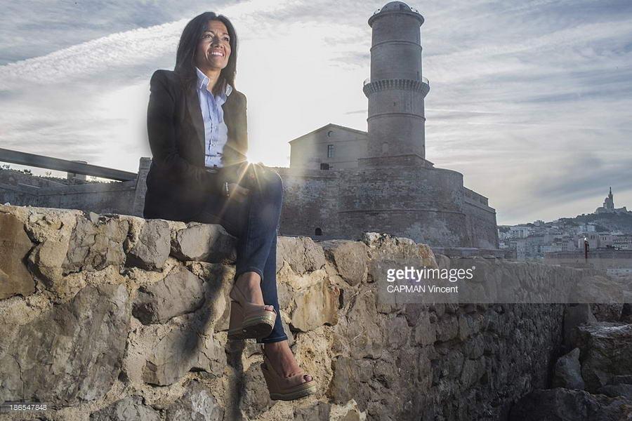Samia Ghali Feet