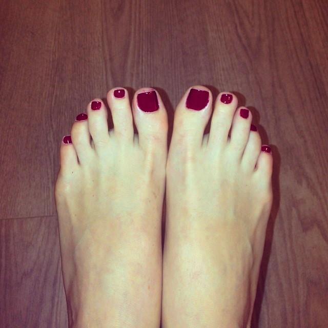 Jocelyn Binder Feet
