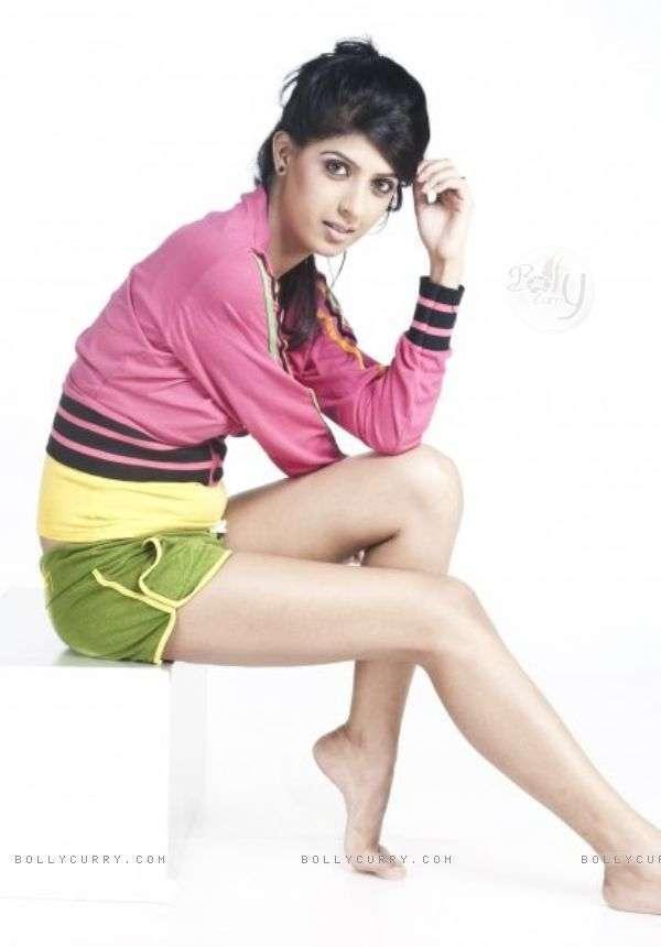 Aishwarya Sakhuja Feet