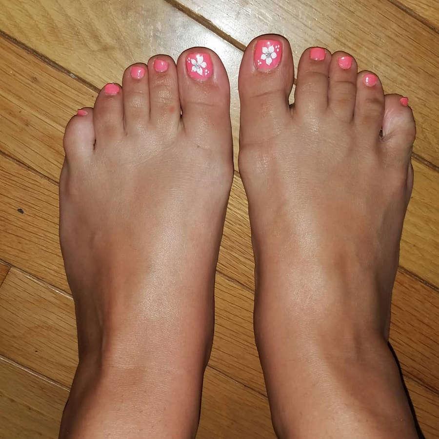 Alana Phillips Feet