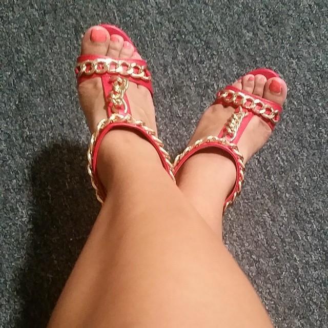Selma Sins Feet