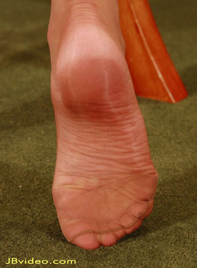 Darenzia Feet