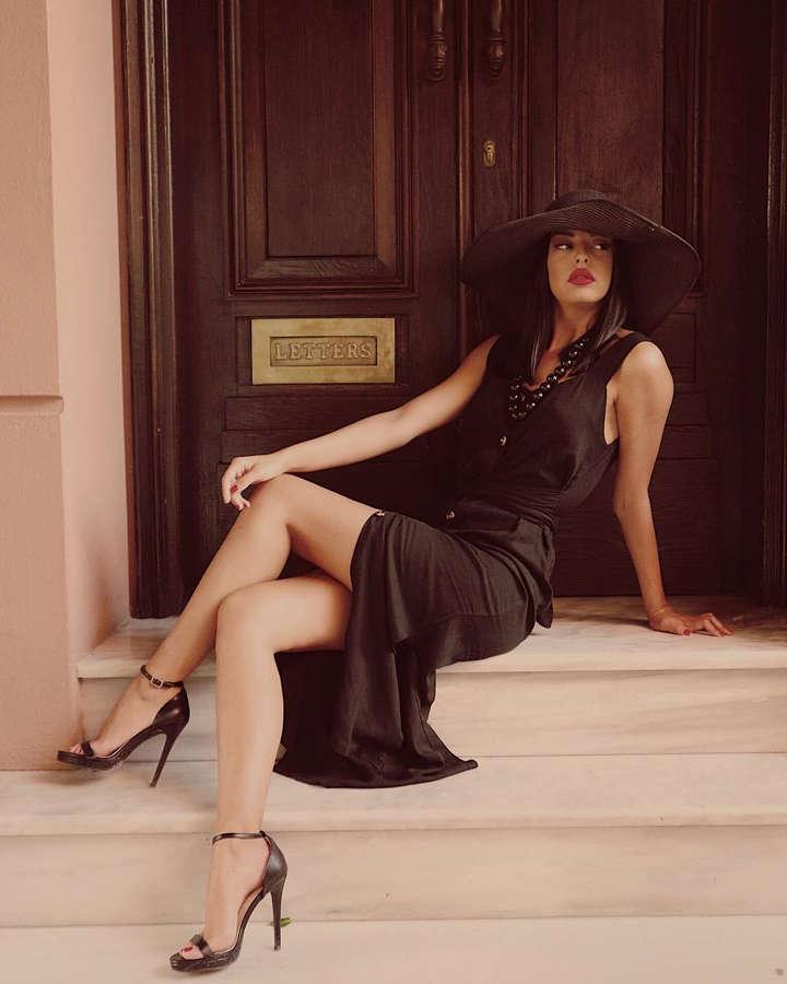 Sofiana Spinoula Feet