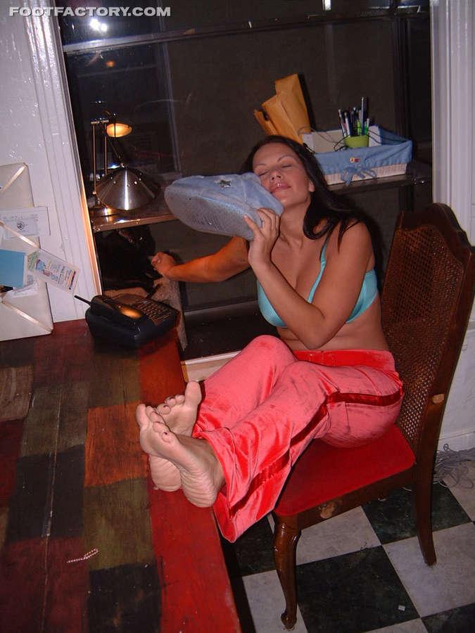 Kira Eggers Feet