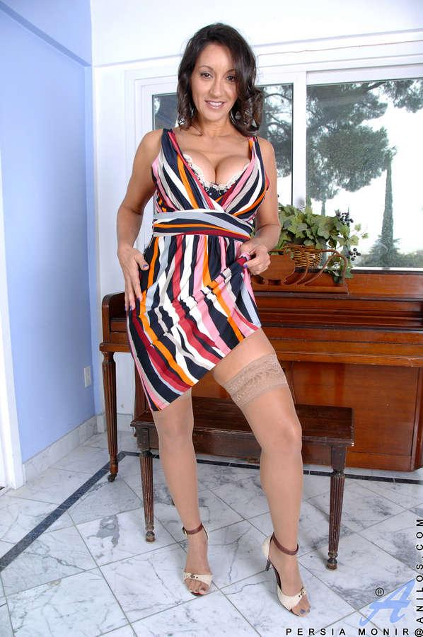 Persia Monir Feet (22 photos) - celebrity-feet.com