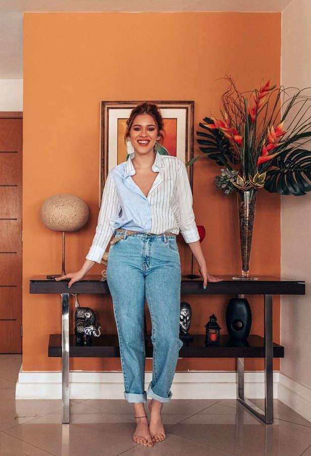 Ana Clara Lima Feet
