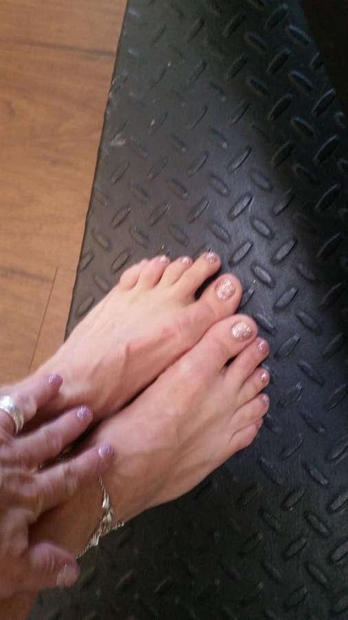 Payton Hall Feet