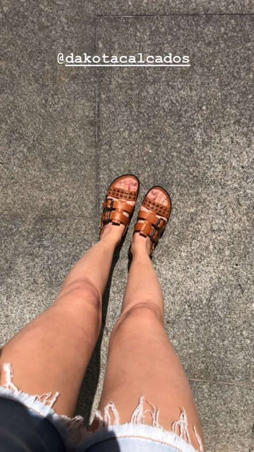 Agatha Moreira Feet