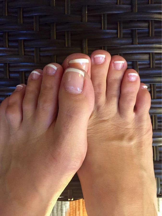 Valerie Thompson Feet