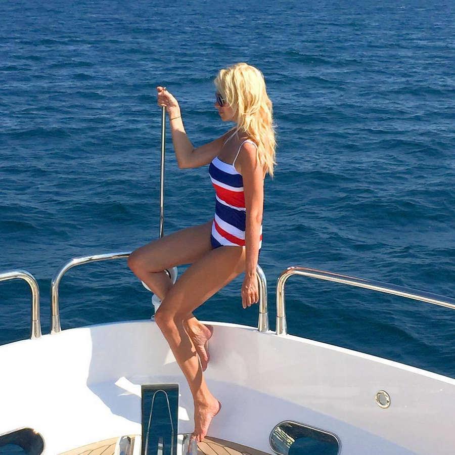 Красивые блондинки на яхте