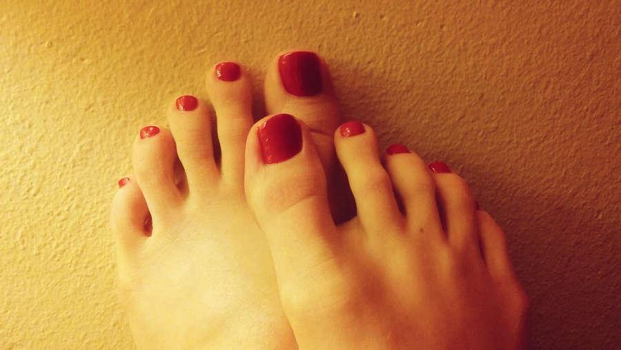 Ana Molly Feet