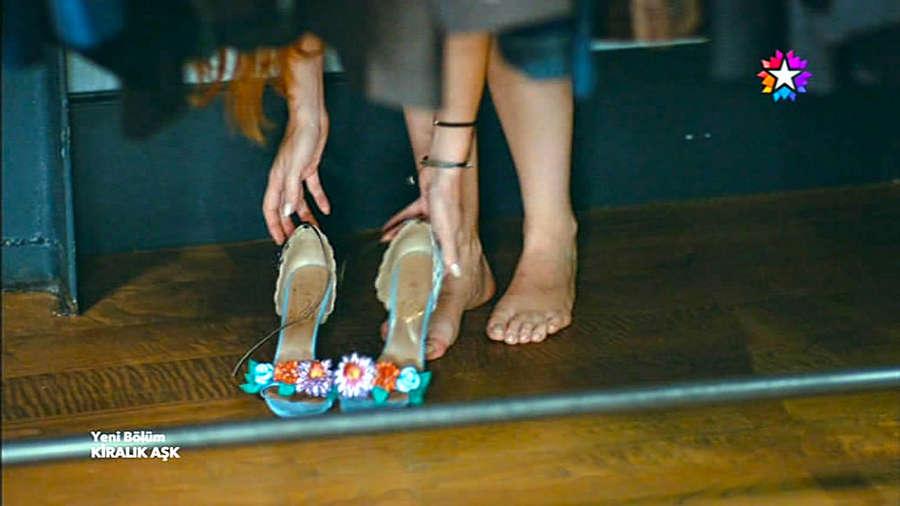 Elcin Sangu Feet