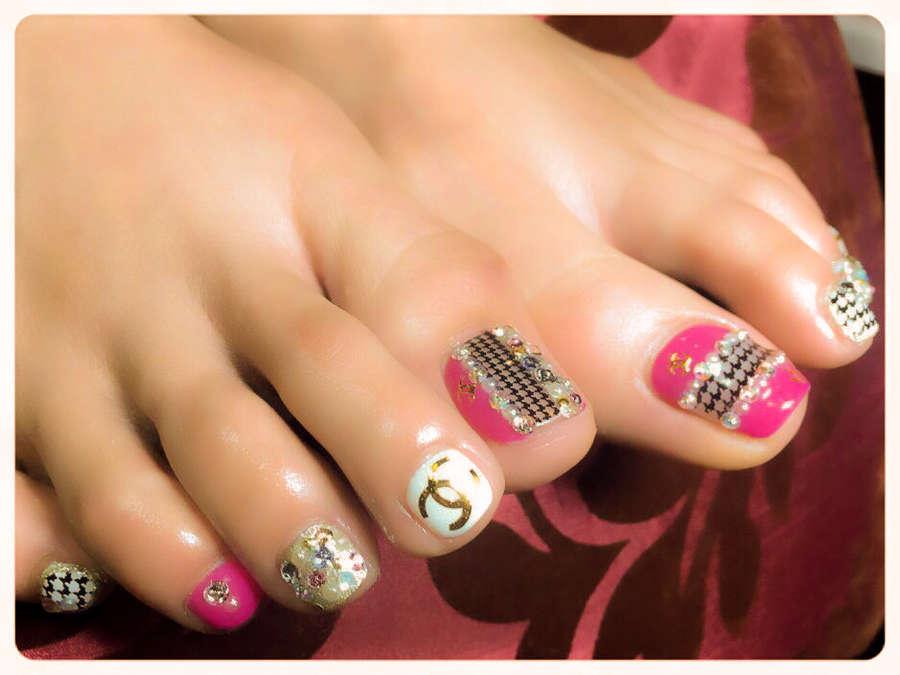 Yuni Lee Feet