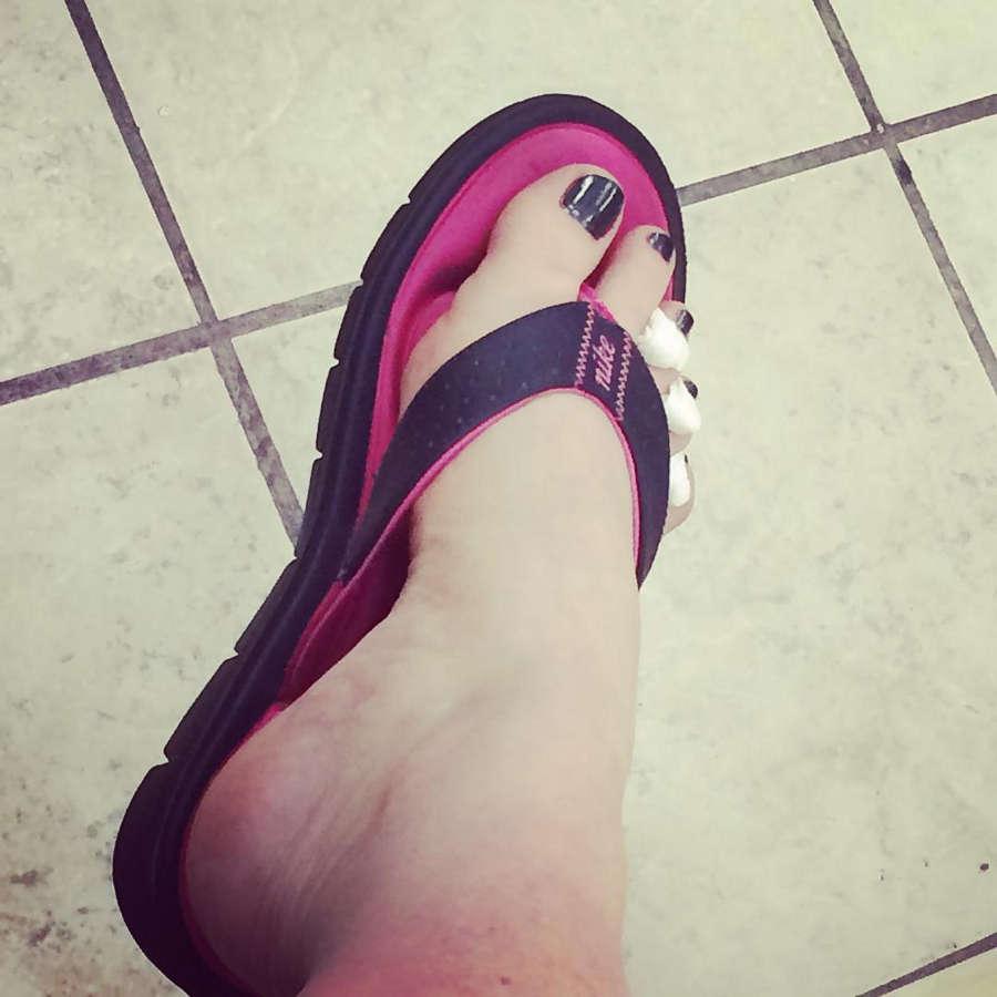 Julie Simone Feet