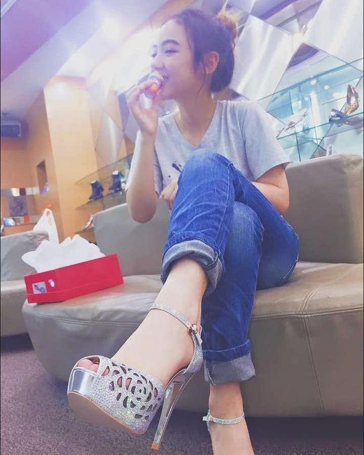 Jannine Parawie Weigel Feet